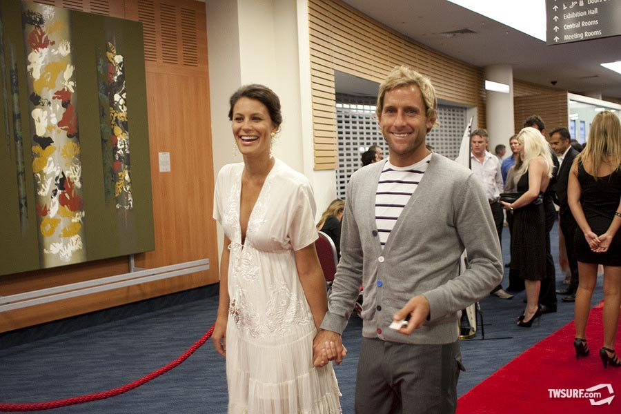 Tom Whitaker and his wife make their way down the red carpet. Photo: Reposar