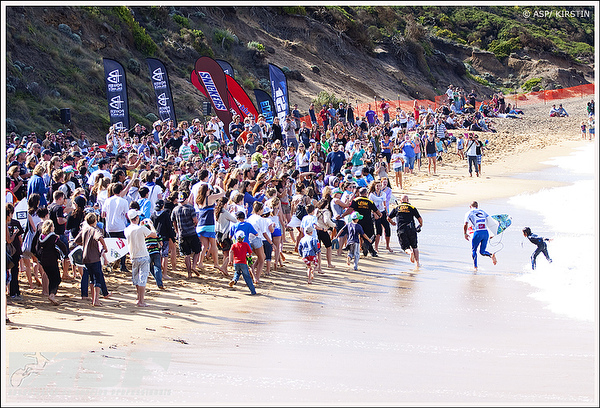 Slatermania Meets Easter Weekend At The Rip Curl Pro Bells Beach Photo Asp