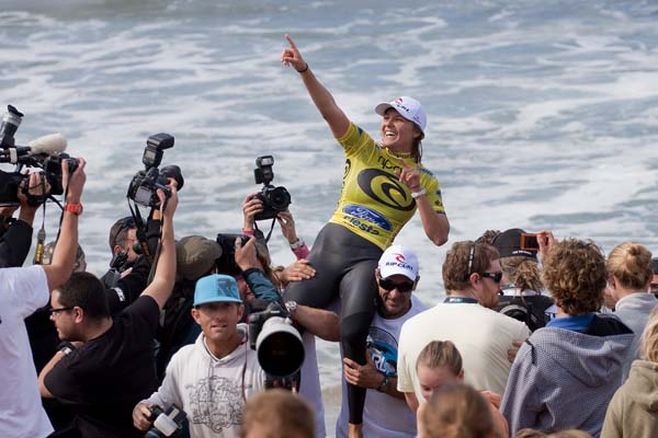 Stephanie Gilmore Wins The Rip Curl Pro Bells Beach