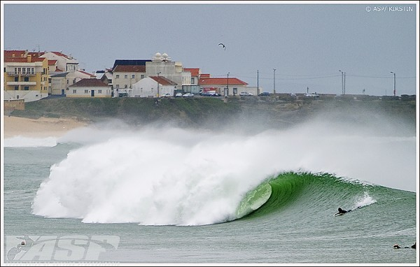 Supertubos has turned up for the commencement of the Rip Curl Pro Portugal. Photo courtesy ASP/Scholtz