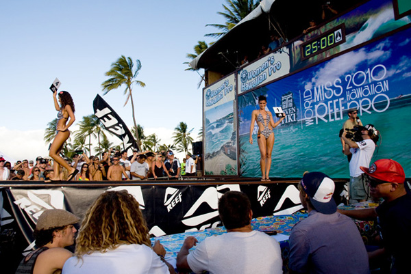 TransWorld SURF Model Search contestant Lea Solomon (right) struts her stuff for the appreciative Haleiwa crowd.