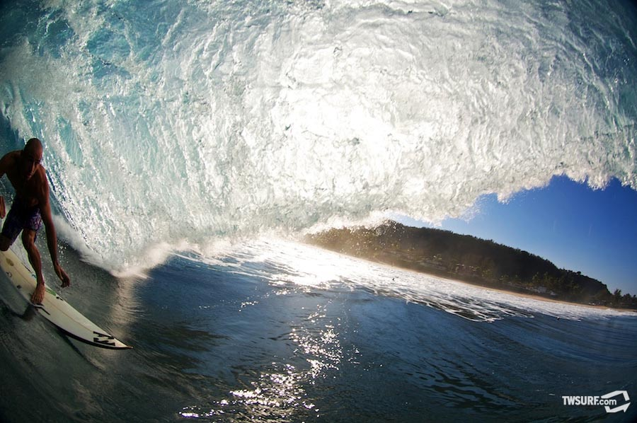 Shane Dorian at his beloved Backdoor Pipeline. Photo: photobrent/SPL