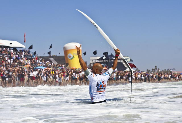 2011 Nike US Open Of Surfing Champion Kelly Slater. Photo: Checkwood